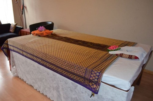 Thai Massage Bett 3